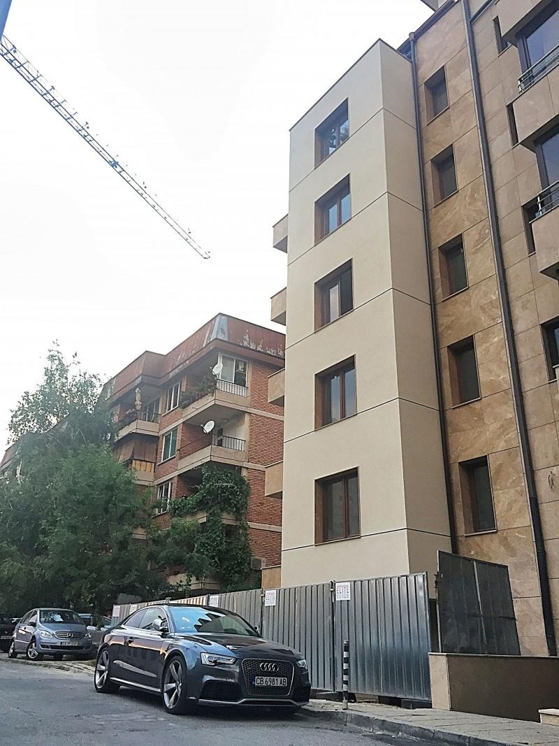 Жилищна сграда ул.Червена стена